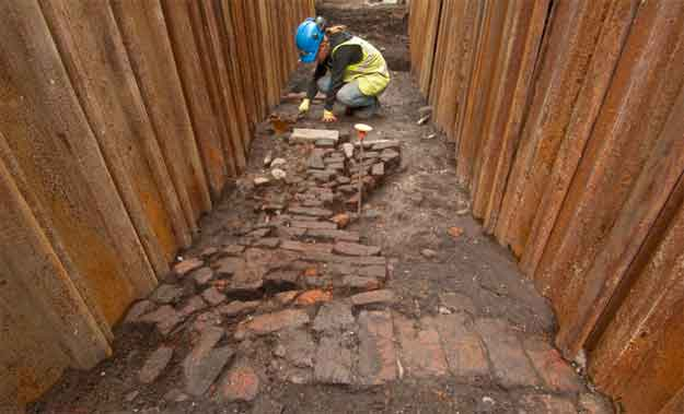 Raising the Curtain: Excavating Shakespeare's lost playhouse
